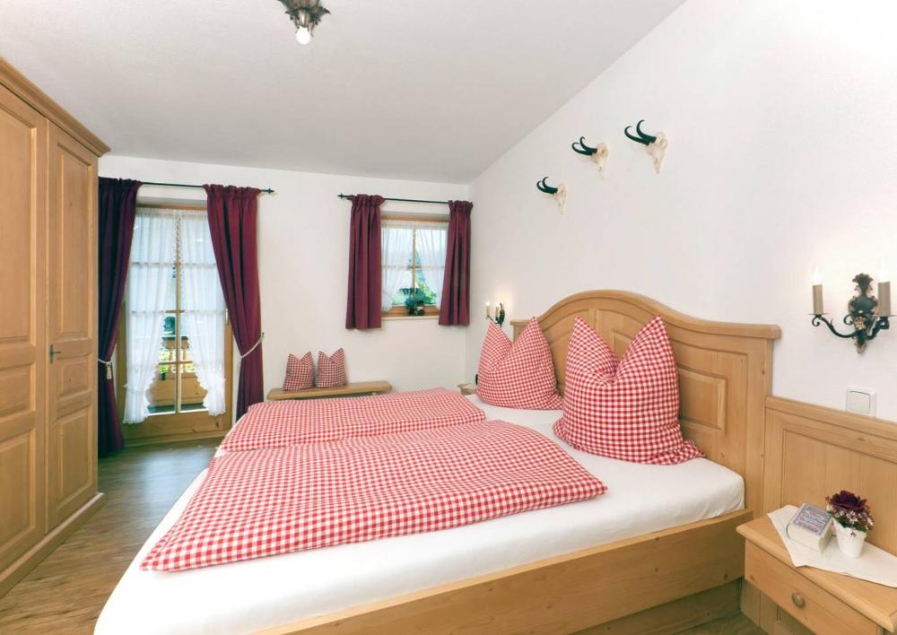 1OG Zugspitz - Schlafzimmer 2