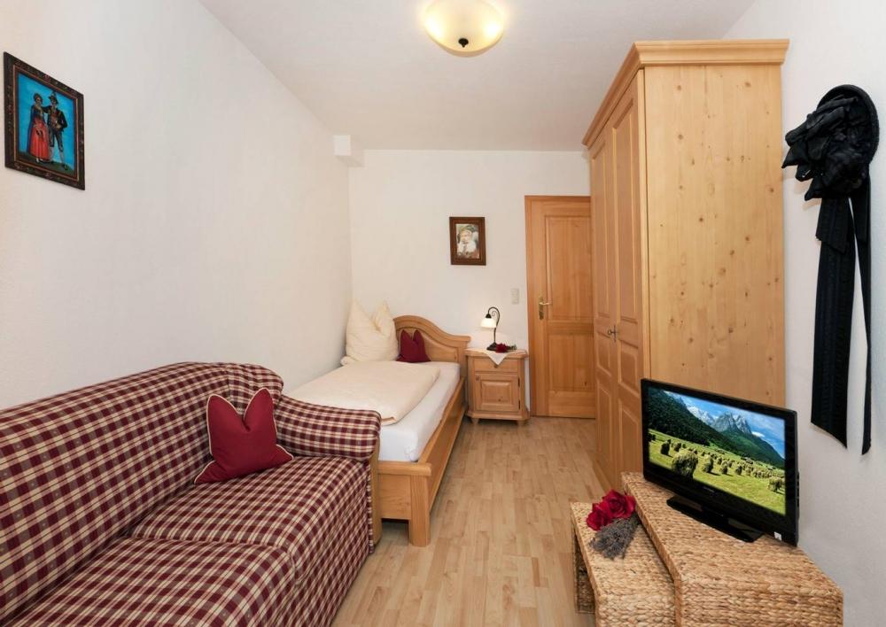 1OG Zugspitz - Schlafzimmer 3